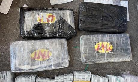 Tanger Med: Saisie de cocaïne et de psychotropes en provenance de l'Espagne, le principal suspect interpellé