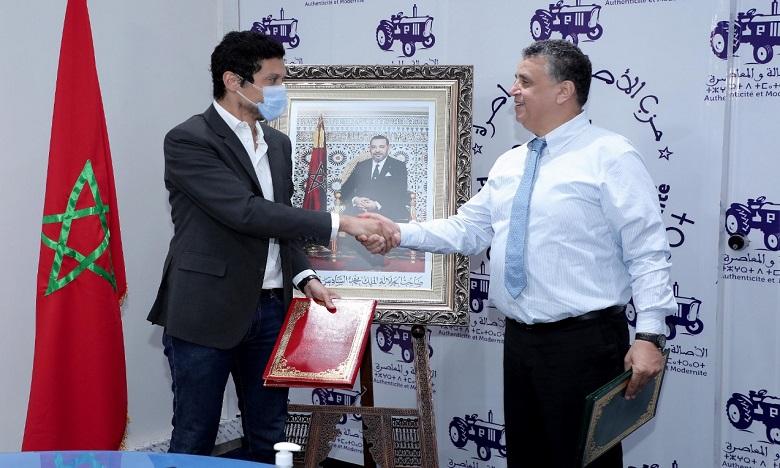 La convention de collaboration a été signée par Abdellatif Ouahbi, secrétaire général du PAM et Karim El Hajjaji, président de Tafra. Ph. DR