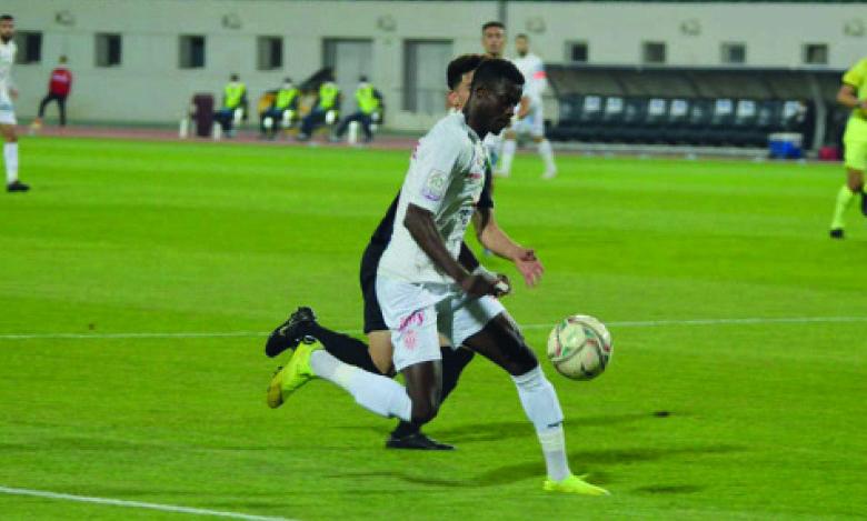 Le Hassania d'Agadir l'emporte dimanche à domicile face au Youssoufia de Berrechid (2-1).