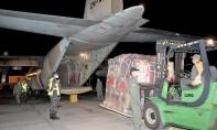 Les deux appareils transportent 20 tonnes de produits alimentaires de première nécessité, de médicaments de soins d'urgence et de couvertures destinées à la population palestinienne de Cisjordanie. Ph : MAP