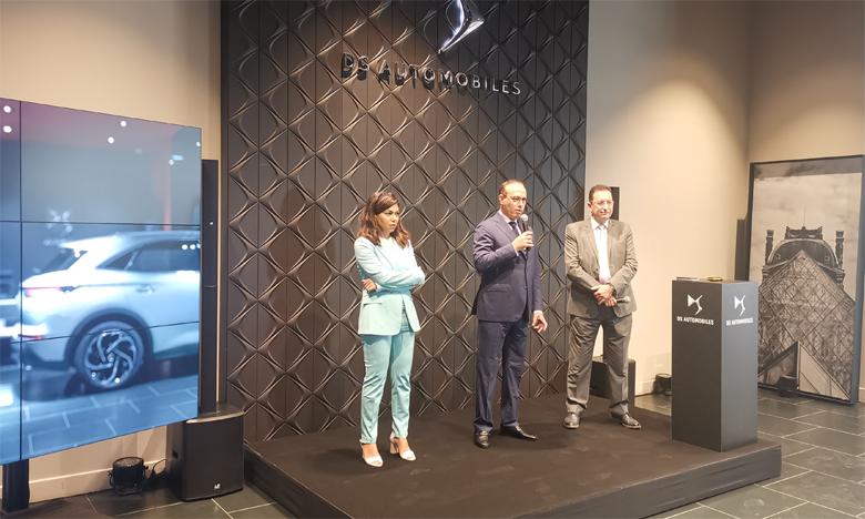 Tarafa Marouane, PDG de Sopriam (milieu), Khalid Kabbaj, directeur général de Sopriam et Nawal Afiq, directrice de DS Automobiles Maroc.
