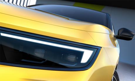L'élément essentiel du design extérieur est une nouvelle évolution de l'Opel Vizor, découvert pour la première fois sur le nouveau Mokka.
