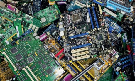Les déchets électroniques, une menace croissante  pour la santé des enfants