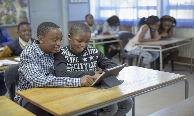Connecter les écoles pourrait faire grimper le PIB de 20 % dans les pays les moins connectés