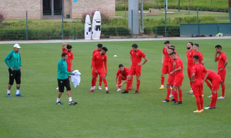 Séance d'entraînement de la sélection nationale des joueurs locaux au Centre Mohammed VI de football.