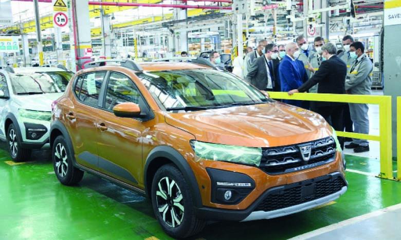 Selon le ministre de l'Industrie, les véhicules qui sortent des usines marocaines, notamment la dernière-née Dacia Sandero fabriquée à Somaca, sont au niveau le plus élevé de la compétitivité internationale. Ph. Saouri