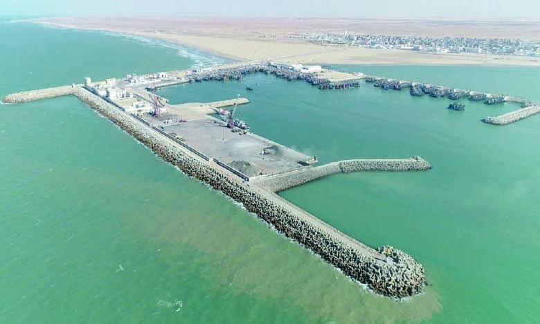 Le complexe de Laâyoune est le principal port polyvalent de la région grand-Sud, dont l'activité commerciale s'élève à environ 5 millions de tonnes annuellement, composées essentiellement d'importations d'hydrocarbures et d'exportations de phosphate et de sable.