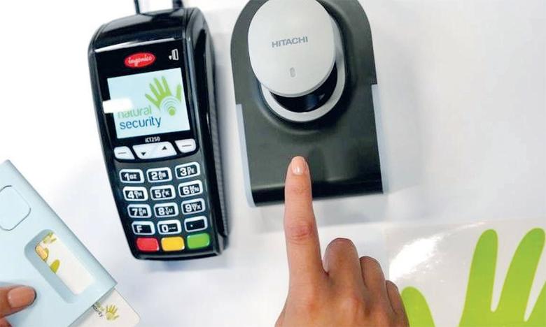 Sécuriser une chaîne d'approvisionnement ininterrompue pour les cartes de paiement est essentiel à la vie quotidienne  et au commerce.