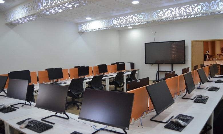 """Des salles """"intelligentes et interactives"""" à la Faculté des lettres d'Oujda"""