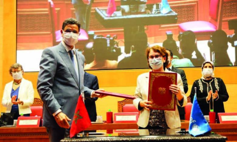 Signature d'un mémorandum d'entente entre le CSPJ et l'Unicef.