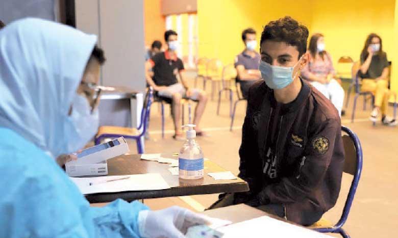 Trois millions d'élèves attendus à partir de demain dans 428 centres de vaccination aménagés au sein des établissements scolaires