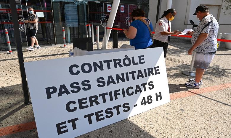 """Le pass sanitaire est entré en vigueur le 21 juillet dans les """"lieux de loisirs et de culture"""" rassemblant plus de 50 personnes. Ph. AFP"""