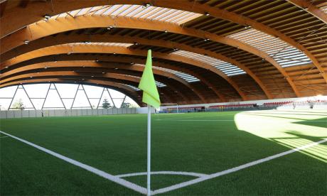 Le Complexe sportif Mohammed VI de Football, édifice impressionnant aux normes internationales.