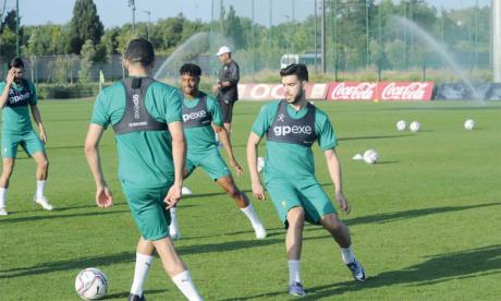 Séance d'entraînement de l'équipe nationale A' au complexe Mohammed VI de football.