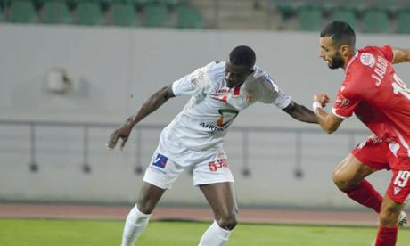 Reda Jaâdi (à droite) a concrétisé la supériorité du Wydad sur le Hassania d'Agadir, dimanche au stade Adrar.