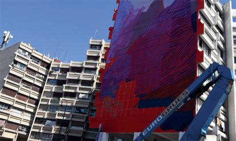 Matthieu Velvet aborde au niveau de l'avenue Hassan II des scènes «bruyantes» et un paysage très calme.Phs. Saouri