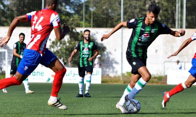 Le Stade marocain (en vert) a profité des largesses défensives de Moghreb de Tétouan pour s'imposer (2-1).