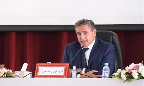 Akhannouch maire d'Agadir: Pas d'incompatibilité avec le statut de membre du gouvernement, selon la loi