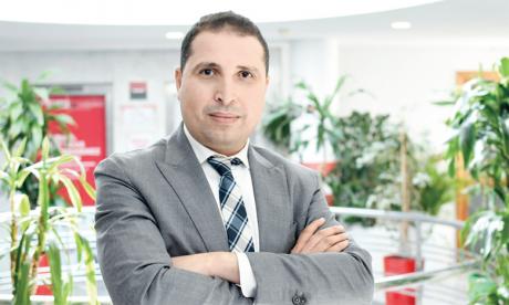 Taoufik Lachker Hidara succède à Philippe Vial qui poursuit sa carrière  au sein du Groupe Société Générale.