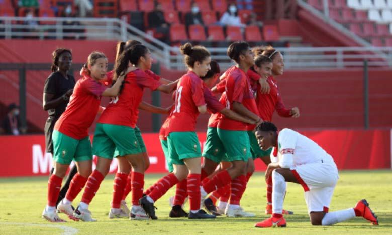 Les Lioncelles célébrant leur qualification au troisième tour des éliminatoires de la Coupe du monde 2022.