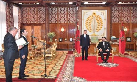 Video : S.M. le Roi nomme M. Mohamed Benchaaboun ministre de l'Economie et des Finances