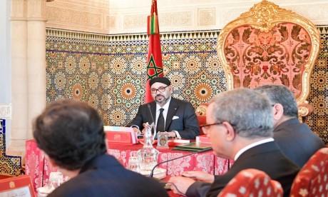 Video : S.M. le Roi préside à Rabat un Conseil des ministres