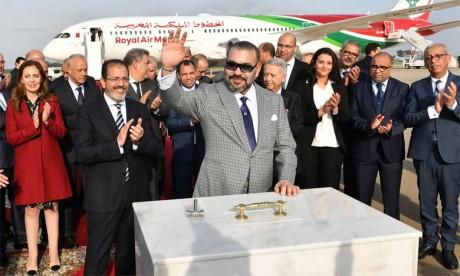 Video : S.M. le Roi pose la première pierre d'un nouveau terminal à l'aéroport de Rabat-Salé et lance la nouvelle génération des avions de la RAM