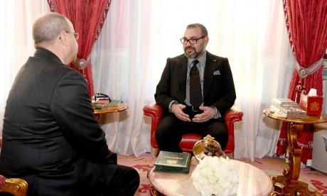 Video : S.M. le Roi reçoit M. Ahmed Chaouki Benayoub et le nomme au poste de Délégué interministériel aux droits de l'Homme