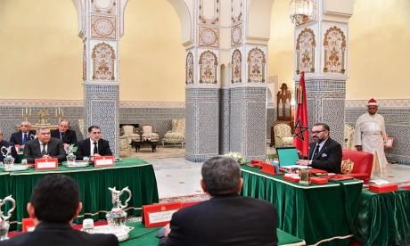 Video : S.M. le Roi préside à Marrakech un Conseil des ministres