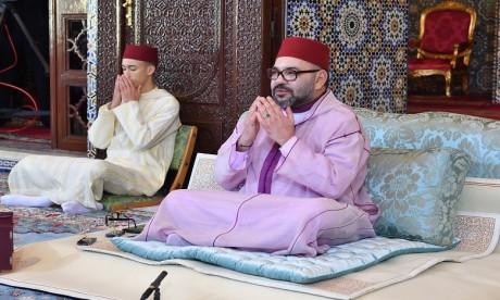 Video : S.M. le Roi, Amir Al Mouminine, préside à Rabat la septième causerie religieuse du mois de Ramadan