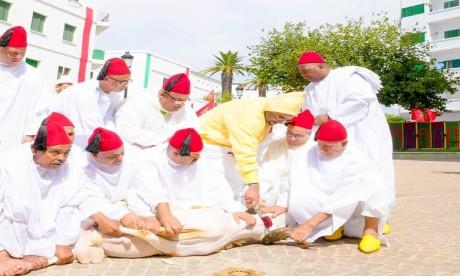 S.M. le Roi accomplit la prière de l'Aïd Al-Adha à la mosquée Hassan II à Tétouan