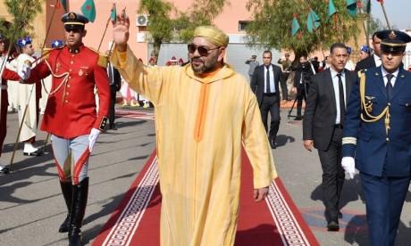 S.M. le Roi, Amir Al Mouminine, accomplit la prière du Vendredi à la mosquée Ariha à Marrakech