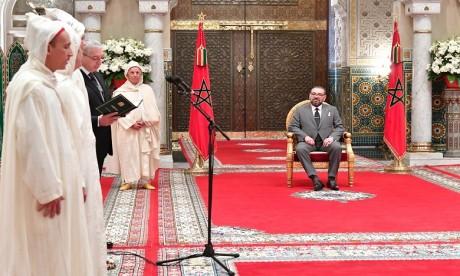 S. M. le Roi reçoit les nouveaux membres nommés à la Cour Constitutionnelle