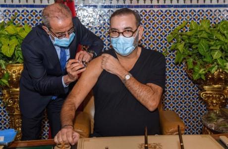 Sa Majesté le Roi Mohammed VI lance la campagne nationale de vaccination contre la Covid-19