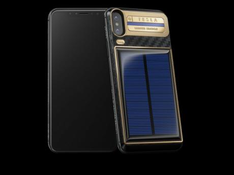 Idée cadeau pour ton anniversaire : un Iphone X à 45 000 dirhams livré avec un vrai panneau solaire